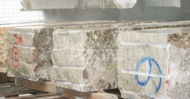 Jura limestone blocks cutting
